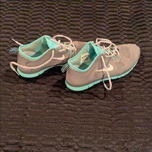Women's Nike Free Shoes
